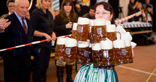 Most beer steins carried over 40 m (female)