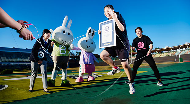 Most double dutch style skips in 30 sec certificate