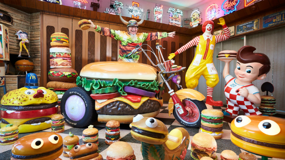 Largest collection of hamburger items 1