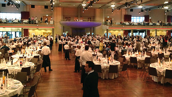 largest-shabbat-dinner-tables