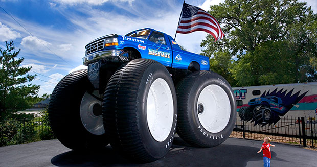 Largest monster truck Bigfoot