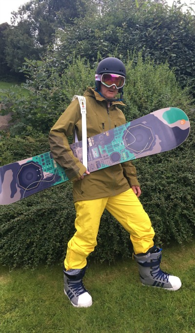 Fastest-Marathon-Dressed-As-A-Snowboarder-(Male)